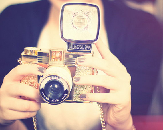 Everything New is Old Again : Embracing Lomography