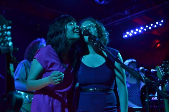 Thao with The Get Down Stay Down @ The Troubadour, LA via Discosalt